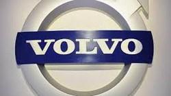 Lợi dụng máy bay mất tích, hãng Volvo bị ném đá