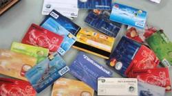 Người nước ngoài dùng ATM giả rút cả vali tiền