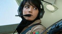 Nữ phi công Afghanistan đẹp như sao Hollywood