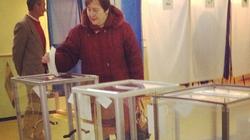 Những hình ảnh đầu tiên của cuộc bỏ phiếu trưng cầu ở Crimea