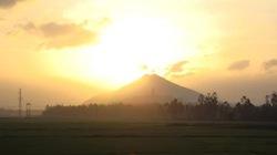 Núi Mò O ở An Nhơn: Núi mắng trời...