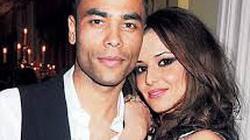 Ashley Cole tái hợp vợ cũ xinh đẹp Cheryl?