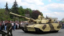 So sức mạnh tăng chủ lực Oplot-M của Ukraine và T-90 của Nga