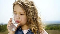12 lý do nên uống nước ấm thay vì nước lạnh