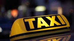 """Taxi """"dù"""" ép khách ngoại trả cước gấp... 20 lần"""