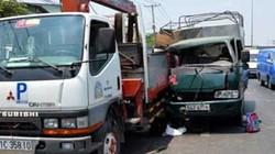 Hai xe tải tông nhau, bé lớp 1 đứt lìa bàn chân