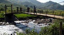 Huyện Văn Chấn (Yên Bái): 32 cầu treo kém chất lượng