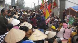 Hàng trăm người dân Mễ Trì vẫn bám trụ đòi đường vào miếu cổ
