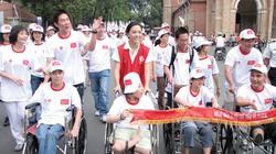 15.000 người đi bộ vì trẻ em khuyết tật