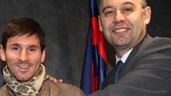 Hé lộ lý do Barca buộc phải tăng lương cho Messi