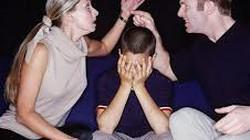 Góc hài hước: Chẳng mấy khi bố con đồng cảm