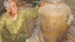 Già làng Rơ Ô Nang giữ gìn bảo vật quý