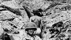 """Những ngày """"bước chân nát đá..."""" - bài 4: Nghệ thuật bắn tỉa của chiến sĩ nông dân"""