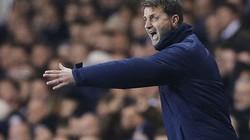 """Thua trận, HLV Tottenham """"tẩn"""" học trò trong phòng thay đồ"""