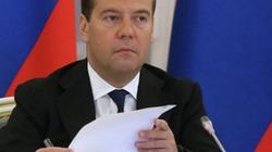 Thủ tướng Nga Dmitry Medvedev bất ngờ có mặt ở Crimea