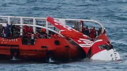 Nổ bóng khí, QZ8501 tiếp tục chìm xuống đáy biển