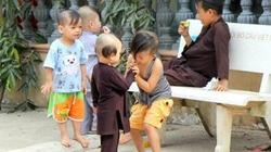 Báo NTNN tặng quà tết sớm cho 60 trẻ mồ côi