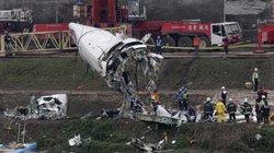 Máy bay Đài Loan rơi: Phi công vẫn nắm chặt cần lái