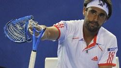 Những pha đập nát vợt có một không hai trong làng tennis