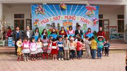 Tặng sữa TH TrueMik cho các cháu mầm non ở Hà Tĩnh