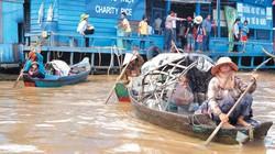 Tết Việt mênh mang trên Biển Hồ