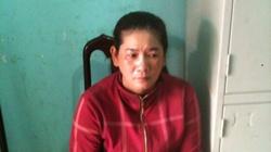 1 phụ nữ rượt bắt kẻ trộm tiền giữa chợ ngày 30 Tết