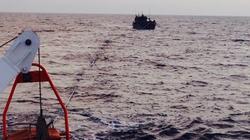 Sáng mùng 3 Tết, cứu 9 thuyền viên trôi dạt trên biển