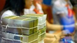 Đầu năm, khách nườm nượp gửi tiền vào ngân hàng lấy may