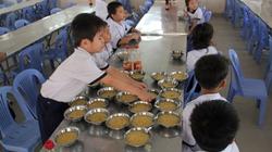 Vụ tuồn thịt thối vào trường học: 12kg da heo thối suýt cho trẻ ăn