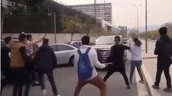 Lái siêu xe Cadillac lao thẳng vào CĐV, Messi suýt gây họa