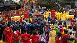 Lễ hội Nam bộ: Không giành giật, không nhét tiền vào tay Phật