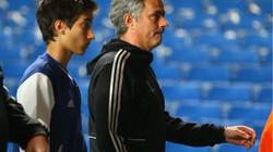 """Con trai Mourinho gọi CĐV Chelsea là """"sự ô nhục"""""""