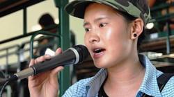 """Hé lộ về """"cô gái kẹo kéo"""" hát hit của Hồ Quỳnh Hương"""