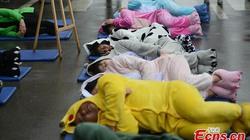 """Trung Quốc: """"Ngủ say như chết"""" hàng loạt giữa đường"""