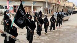 """Phiến quân IS phát tờ rơi ra sức """"dụ dỗ"""" công dân Indonesia"""