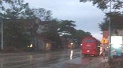 Nghệ An: Mưa đá kèm gió lốc, người dân hoảng hốt