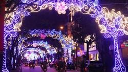 """Đèn đường """"lòe loẹt"""", Sở VHTT Hà Nội thừa nhận lúng túng"""