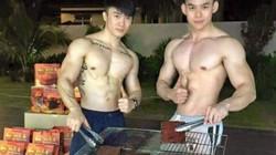 Hai chàng hot boy 'khoe thân' bán thịt khô gây 'sốt'