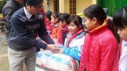 Chăn ấm tặng trò nghèo ngày giá rét cực độ