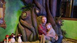 Cha xây phòng cổ tích tặng con gái trong suốt 18 tháng