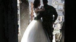 Bộ ảnh cưới độc nhất vô nhị giữa cảnh hoang tàn ở Syria