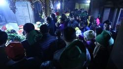 Hơn 6 vạn người đổ về Yên Tử, du khách phải xuống xe đi bộ