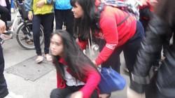 Huế: Nữ sinh bị đánh hội đồng trước cổng trường, bạn đứng nhìn