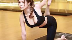 Mỹ nhân Việt khoe đường cong tuyệt mỹ khi tập yoga