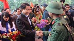 Chủ tịch HN Nguyễn Đức Chung tiễn tân binh lên đường nhập ngũ