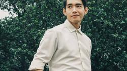 Quang Đăng khoe vẻ điển trai trên phố Hà Nội