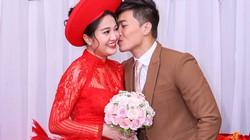"""""""Hoàng tử xiếc"""" hôn vợ nồng nàn trong lễ rước dâu"""