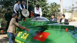 """Chủ tịch tỉnh Thái Bình bất ngờ """"vi hành"""" tàu ngầm Hoàng Sa"""