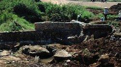 Tây Nguyên nắng hạn: Nông dân tự bỏ trăm triệu ngăn suối đón nước