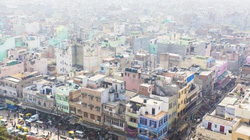 Ấn Độ: Bị mẹ bóp cổ chết vì ngủ với người ở